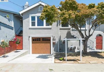 935 Kains Ave Albany, CA 94706