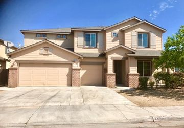4638 West Pine Ave Fresno, CA 93722