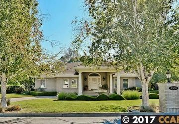 4960 Valley Orchard Court Martinez, CA 94553-9730