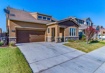651 Pasture Avenue Lathrop, CA 95330