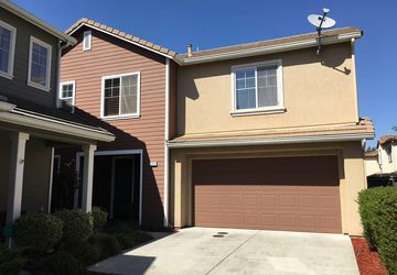 8387 Cystal Walk Circle Elk Grove, CA 95753