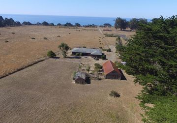 43601 Acquistapace Road Manchester, CA 95459