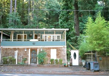 19030 Hidden Valley Road Guerneville, CA 95446