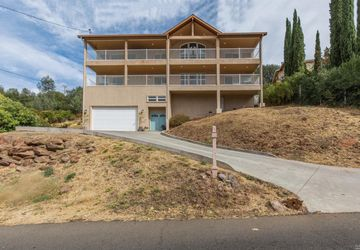 17437 Greenridge Road Hidden Valley Lake, CA 95467