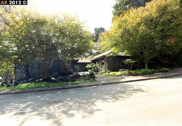 25 SHAWNEE CT OAKLAND, CA 94619-2416