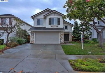 36190 Crystal Springs Dr Newark, CA 94560