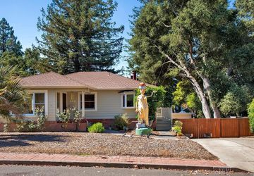 940 Litchfield Avenue Sebastopol, CA 95472