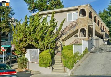 2 Whitmore Place OAKLAND, CA 94611