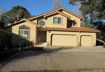 4166 Santa Rita Rd El Sobrante, CA 94803