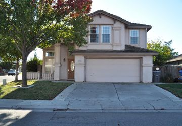8446 Ardelle Way Elk Grove, CA 95624