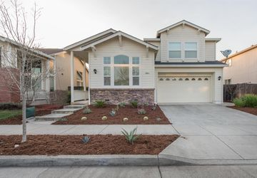 8247 Trione Circle Windsor, CA 95492