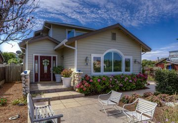 208 Kelly Avenue HALF MOON BAY, CA 94019