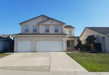 8457 Ceonothus Court Elk Grove, CA 95624
