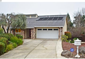 45 Saint Germain Ct Pleasant Hill, CA 94523
