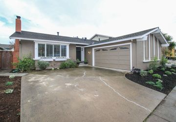 324 Bowfin Street Foster City, CA 94404
