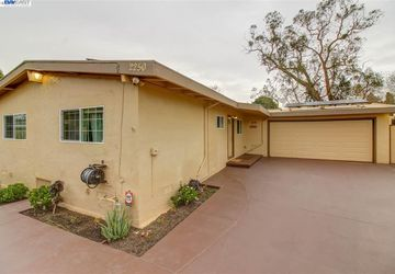 Brookhaven Court SAN PABLO, CA 94806