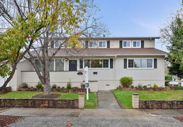 2704 Roosevelt Avenue Redwood City, CA 94061