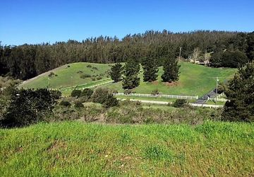 200 Chateau Drive Aromas, CA 95004