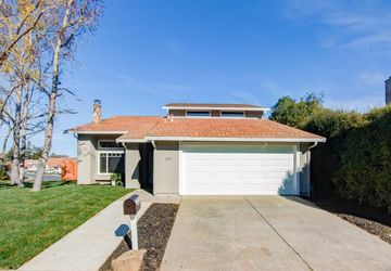 227 Panorama Drive Benicia, CA 94510