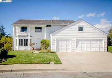 5221 Orkney Ct Newark, CA 94560