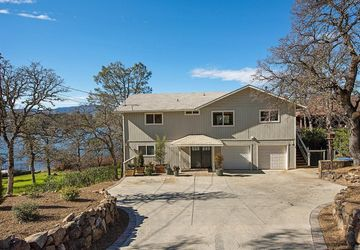 19191 North Shore Court Hidden Valley Lake, CA 95467