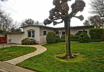 209 Towers Dr Pacheco, CA 94553
