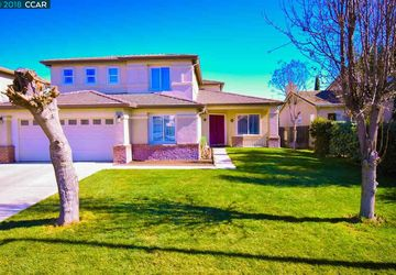 13258 Cedarbrook Way Lathrop, CA 95330
