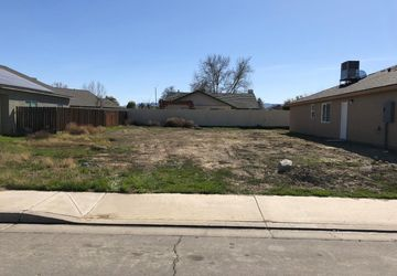1730 Willow Springs Avenue Coalinga, CA 93210
