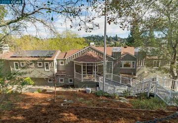 8 Sunrise Hill Rd Orinda, CA 94563
