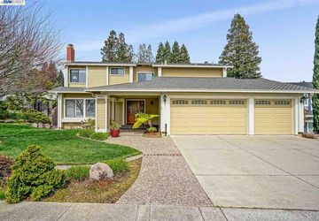 6000 Slopeview Ct Castro Valley, CA 94552