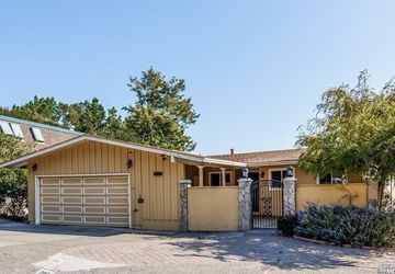 208 Via La Cumbre Greenbrae, CA 94904