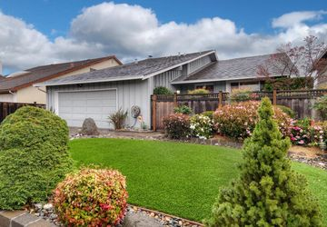 877 Vega Circle Foster City, CA 94404