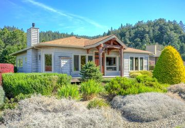 15550 Forest View Road Manchester, CA 95459