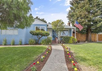 571 Oak Avenue San Bruno, CA 94066