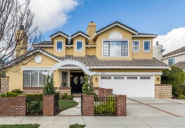 692 Bryant Avenue Mountain View, CA 94040
