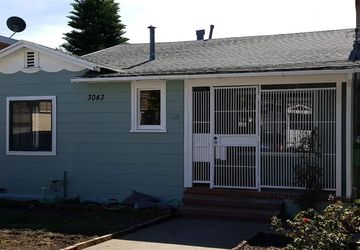3043 Davis St OAKLAND, CA 94601