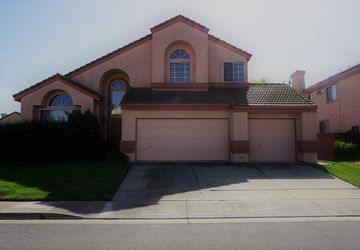 1043 Fennie Court Suisun City, CA 94585