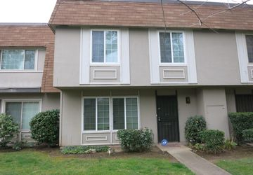 8876 La Riviera Drive Sacramento, CA 95826
