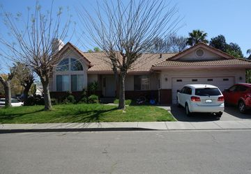 1033 Village Circle Drive Winters, CA 95694