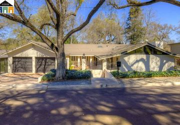 1325 Edgebrook Modesto, CA 95354