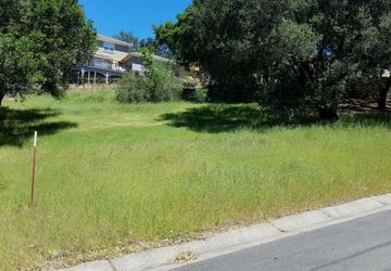 240 Clear Ridge Drive Healdsburg, CA 95448