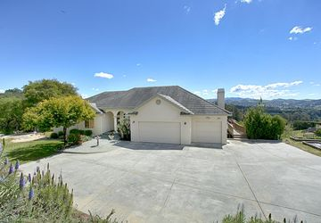 2653 Red Hawk Lane Aromas, CA 95004