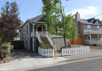 429 Piper Street Healdsburg, CA 95448