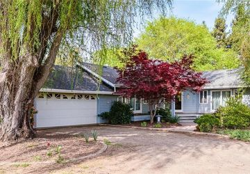 3228 Hendricks Road Lakeport, CA 95453