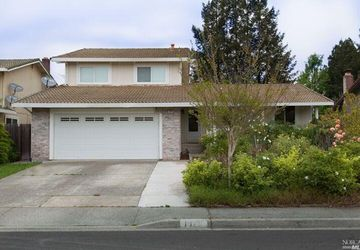 1026 Holly Avenue Rohnert Park, CA 94928