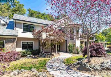 19 Brookbank Road Orinda, CA 94563-1410