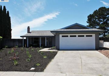 774 Reef Point Ct Rodeo, CA 94572-9999