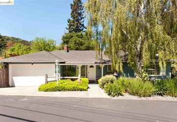 6340 Hillside Drive El Sobrante, CA 94803