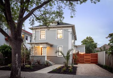 4880 Webster St OAKLAND, CA 94609