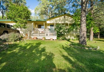 17913 Lake Forest Drive Penn Valley, CA 95946